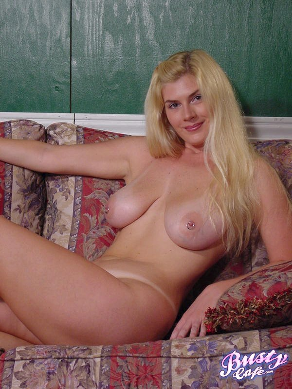 Amateur blonde girlfriend frankie and the 4